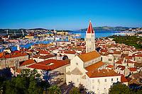 Croatie, Dalmatie, côte dalmate, centre historique de Trogir classé Patrimoine Mondial de l' UNESCO, la cathedrale Saint Laurent // Croatia, Dalmatia, Trogir, Unesco world Heritage site