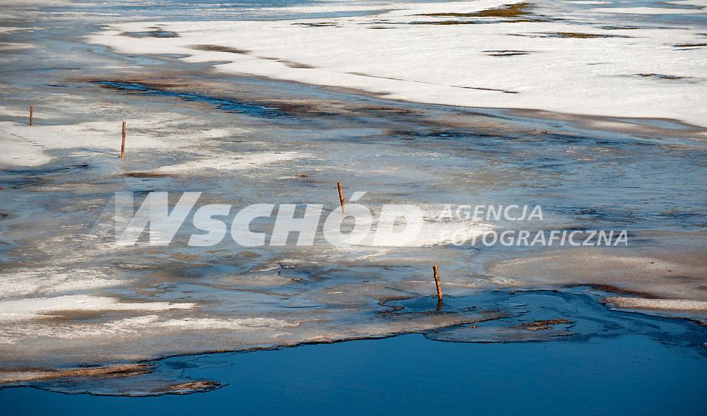 04.03.2013 wies Strekowa Gora woj podlaskie N/z rzeka Narew fot Michal Kosc / AGENCJA WSCHOD