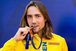 August 12, 2018 - Berlin, GERMANY - 180812 Andreas Kramer of Sweden poses with his silver medal after the medal ceremony for the men's 800 meter during the European Athletics Championships on August 12, 2018 in Berlin..Photo: Vegard Wivestad Grøtt / BILDBYRÃ…N / kod VG / 170207 (Credit Image: © Vegard Wivestad GrØTt/Bildbyran via ZUMA Press)