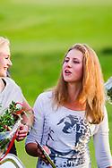 17-05-2015 NGF Competitie 2015, Hoofdklasse Heren - Dames Standaard - Finale, Golfsocieteit De Lage Vuursche, Den Dolder, Nederland. 17 mei. Dames Noordwijkse: Mayka Hoogeboom tijdens de prijsuitreiking.