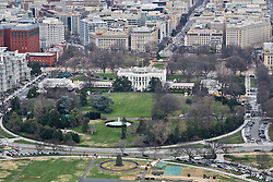 THEMENBILD - Blick vom Washington Monument auf das Weisse Haus. Reisebericht, aufgenommen am 12. Jannuar 2016 in Washington D.C. // View from the Washington Monument to the White House. Travelogue, Recorded January 12, 2016 in Washington DC. EXPA Pictures © 2016, PhotoCredit: EXPA/ Eibner-Pressefoto/ Hundt<br /> <br /> *****ATTENTION - OUT of GER*****