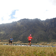 Bex Harrex (right), Lindsay Woods, (centre) and Carly McCarthy (left) in action during the Duathlon during the Active Q T Ultimate Tri Series Jack's Point Triathlon, Jack's Point,  Queenstown, Otago, New Zealand. 14th January 2012. Photo Tim Clayton