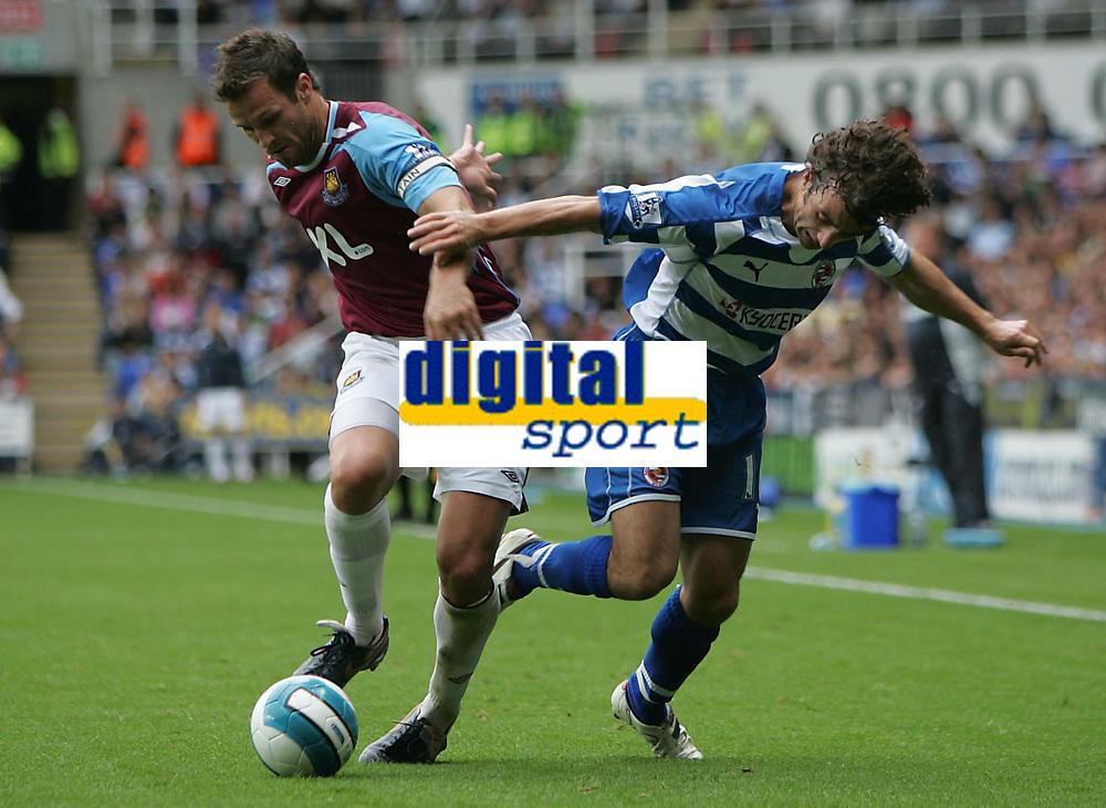 Photo: Lee Earle.<br /> Reading v West Ham United. The FA Barclays Premiership. 01/09/2007.West Ham's George McCartney (L) battles with Stephen Hunnt.