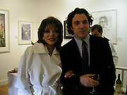 Joan Collins and her son Sacha Newley. Sacha Newley, From the Hamptons to Harlem. the Catto Gallery. 23 Cork St. London. 22 October 2001. © Copyright Photograph by Dafydd Jones 66 Stockwell Park Rd. London SW9 0DA Tel 020 7733 0108 www.dafjones.com