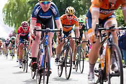 © Licensed to London News Pictures. 09/06/2017. Wellesbourne, Warwickshire, UK. The third stage of the Women's Cycle Tour, Atherstone to Leamington Spa. Pictured, the riders race down the High Street in the small village of Wellesbourne during one of the sprint sections. Photo credit: Dave Warren/LNP