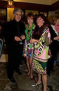David Blackman, Kathy Lette and Janice Blackman, , Kathy Lette book launch, Savoy, swimming pool 12 November 2003. © Copyright Photograph by Dafydd Jones 66 Stockwell Park Rd. London SW9 0DA Tel 020 7733 0108 www.dafjones.com