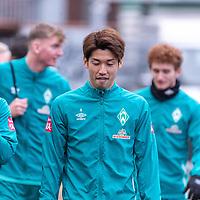 16.11.2020, Trainingsgelaende am wohninvest WESERSTADION - Platz 12, Bremen, GER, 1.FBL, Werder Bremen Training<br /> <br /> <br /> Spieler kommen zum Training mit dabei<br /> Milot Rashica (Werder Bremen #07)<br /> Yuya Osako (Werder Bremen #08)<br /> <br /> <br /> <br /> Foto © nordphoto / Kokenge *** Local Caption ***
