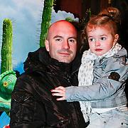 NLD/Amsterdam/20110227 - Premiere Rango, Dean Saunders met nichtje Stacey