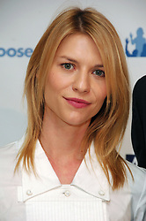 Actress Claire Danes poses during the press conference to announce the non-profit website DonorsChoose.org is rolling out to schools nationwide to fulfill classroom needs and foster innovation, at the High School for Environmental Studies in New York City, NY, USA on November 15, 2007. Photo by Gregorio Binuya/ABACAPRESS.COM  | 137553_04 New York City Unitd