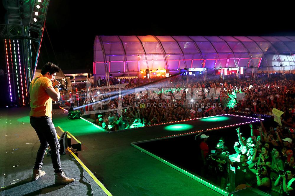 Luan Santana no palco principal do Planeta Atlântida 2013/RS, que acontece nos dias 15 e 16 de fevereiro na SABA, em Atlântida. FOTO: Jefferson Bernardes/Preview.com
