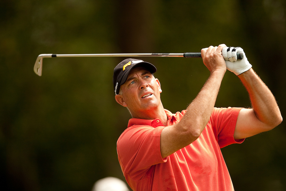 HILTON HEAD, SC - APRIL 19:  Tom Lehman hits his shot during the fourth round of the 2009 Verizon Heritage in Hilton Head, South Carolina at Harbour Town Golf Links on Sunday, April 19, 2009. (Photograph by Darren Carroll) *** Local Caption *** Tom Lehman