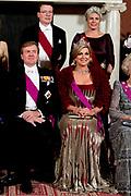 Staatsbezoek aan Nederland van Zijne Majesteit Koning Filip der Belgen vergezeld door Hare Majesteit Koningin <br /> Mathilde aan Nederland.<br /> <br /> State Visit to the Netherlands of His Majesty King of the Belgians Filip accompanied by Her Majesty Queen<br /> Mathilde Netherlands<br /> <br /> op de foto / On the photo: Staatsbanket in Koninklijk Paleis Amsterdam Staatsiefoto met koning Willem Alexander, koningin Maxima, de Belgische koning Filip, koningin Mathilde, prinses Beatrix, prins Constantijn, prinses Laurentien, prinses Margriet en Pieter Van Vollenhoven in de kleine Ontvangkamer, voorafgaand aan het staatsbanket. ////  State Banquet at the Royal Palace in Amsterdam Staatsiefoto with King Willem Alexander, Queen Maxima, the Belgian King Philip, Queen Mathilde, Princess Beatrix, Prince Constantijn, Princess Laurentien, Princess Margriet and Pieter Van Vollenhoven in the small Reception room, before the state banquet.