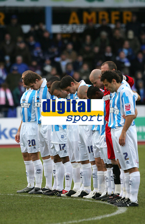 Photo: Frances Leader.<br />Brighton & Hove Albion v Derby County. Coca Cola Championship. 26/11/2005<br />Brighton show minutes silence for George Best