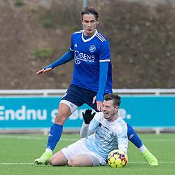 Nicolas Mortensen (FC Helsingør) tackles af Gustaf Lagerbielke (Fremad Amager) under træningskampen mellem FC Helsingør og Fremad Amager den 18. januar 2020 på Helsingør Ny Stadion (Foto: Claus Birch)