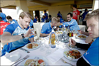 Fotball<br /> Foto: PhotoNews/Digitalsport<br /> NORWAY ONLY<br /> <br /> MARBELLA, SPAIN - JANUARY 5: Fredrik Stenman, Michael Almeback, Victor Vasquez and Tom Høgli of Club Brugge pictured during lunch at the Hotel Guadalmina where the football team Club Brugge is staying during the midseason training camp on January 5, 2012 in Malaga.