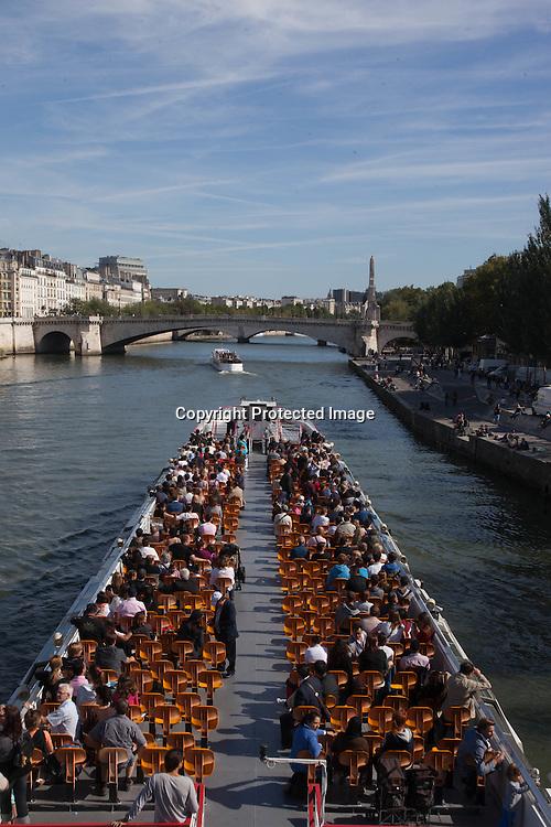 France. Paris. Seine river quays. bateau mouche on the seine river Paris / bateau mouche sur la seine