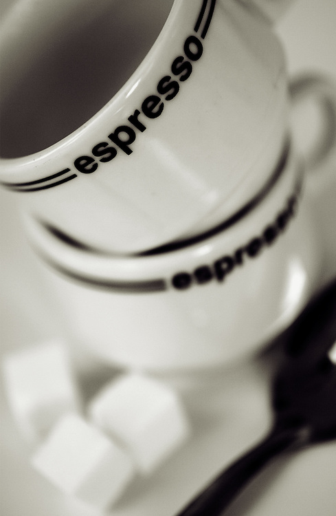expresso cups with sugar cubes,black and white,verticle