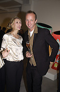 Allegra Hicks and Johnnie Shand Kidd. Art Review party to celebrate first year under the editorshoip of Meredith Etherington Smith. David Gill Gallery. Kennington. 15 October 2002. © Copyright Photograph by Dafydd Jones 66 Stockwell Park Rd. London SW9 0DA Tel 020 7733 0108 www.dafjones.com