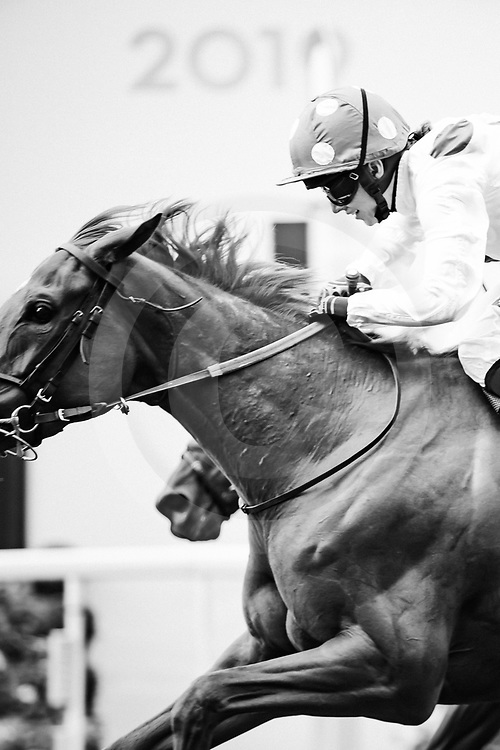 Thanks Be (H. Turner) wins The Sandringham Stakes at Royal Ascot, 21/06/2019, photo: Zuzanna Lupa