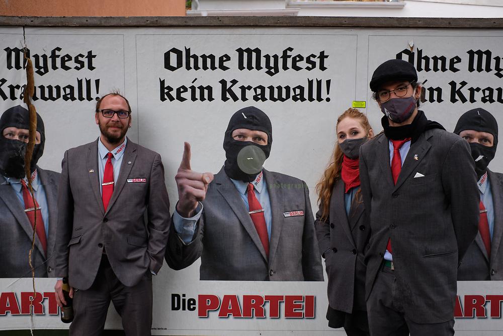 Berlin, DEUTSCHLAND, 01.05.2020 / 1.Mai-Demonstration in Corona-Zeiten. Aufgrund des Verbots von Grossdemonstrationen kommen am 1. Mai in Kreuzberg viel weniger Demonstranten auf die Strasse als sonst.