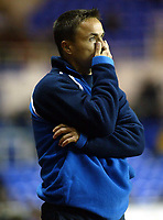Photograph: Scott Heavey.<br />Reading v Millwall. Nationwide Division One. 15/11/2003.<br />A clearly agitated Dennis Wise looks on