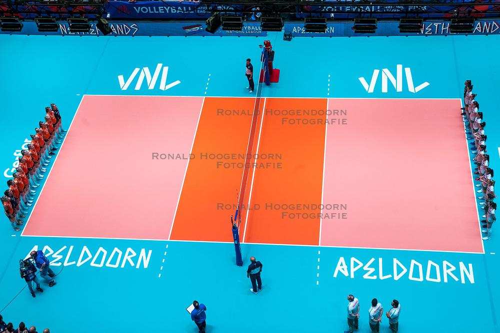 29-05-2019 NED: Volleyball Nations League Netherlands - Bulgaria, Apeldoorn<br /> Centercourt Apeldoorn, floor stickers, line up Netherlands, Bulgaria