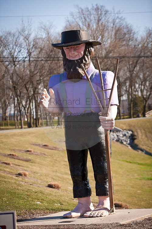 Giant Amish statue on Hershey Farms in Ronks, PA.