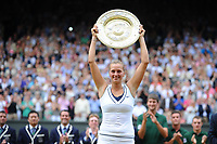 TENNIS - GRAND SLAM - WIMBLEDON CHAMPIONSHIPS 2011 - LONDON (GBR) - FINAL WOMEN - 02/07/2011 - PHOTO : ANTOINE COUVERCELLE / TENNIS MAG / DPPI - PETRA KVITOVA (CZE) DEF MARIA SHARAPOVA (RUS)