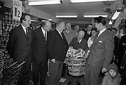 15/02/1963<br /> 02/15/1963<br /> 15 February 1963<br /> Opening of new 5 Star Supermarket at St Agnes Road, Crumlin, Dublin. Picture shows: Jimmy O'Dea collecting the hammer to be presented to the patients at Our Lady's Children's Hospital, Crumlin.