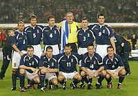 Fotball<br /> EM-kvalifisering<br /> 10.09.2003<br /> Tyskland v Skottland<br /> NORWAY ONLY<br /> Foto: Digitalsport<br /> <br /> Team Schottland<br /><br /> h.v.l. Colin CAMERON - Steven PRESSLEY - Christian DAILLY - Robert DOUGLAS - Gary NAYSMITH - Steven THOMPSON<br /> v.v.l. James McFADDEN -  Jackie McNAMARA -  Neil McCANN -  Paul LAMBERT - Barry FERGUSON