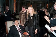 SIR V.S.NAIPAUL; FRANCA SOZZANI, Ella Krasner and Pablo Ganguli host a Liberatum dinner in honour of Sir V.S.Naipaul. The Landau at the Langham. London. 23 November 2010. -DO NOT ARCHIVE-© Copyright Photograph by Dafydd Jones. 248 Clapham Rd. London SW9 0PZ. Tel 0207 820 0771. www.dafjones.com.