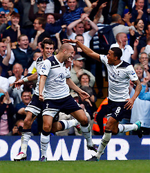 18.09.2010, White Hart Lane, London, ENG, PL, Tottenham Hotspur vs Wolverhampton Wanderers, im Bild Tottenham's Alan Hutton celebrates his goal. EXPA Pictures © 2010, PhotoCredit: EXPA/ IPS/ Kieran Galvin +++++ ATTENTION - OUT OF ENGLAND/UK +++++ / SPORTIDA PHOTO AGENCY