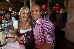02-10-2011 VOETBAL: OKTOBERFEST FC BAYERN MUNCHEN: MUNCHEN<br /> Arjen Robben with Bernadien Robben<br /> ***NETHERLANDS ONLY***<br /> ©2011-FRH- NPH / Hassenstein