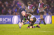 Twickenham, Surrey, 11th November 2002, Zurich Premiership Rugby, Stoop Memorial Ground, England,<br /> [Mandatory Credit: Peter Spurrier/Intersport Images],Zurich Premiership Rugby Harlequins v Saracens<br /> Paul Burke, placed the ball in the Kicking tee,