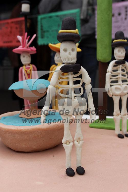 TOLUCA, México.- 69 piezas participaron en el Concurso del Alfeñique 2009 Toluca en donde se dio cita la creatividad de cada uno de los concursantes, las categorías que participaron son  vaciado de azúcar, amaranto, pasta de pepita y pasta de alfeñique. Agencia MVT / Crisanta Espinosa. (DIGITAL)