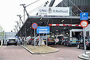 Nederland, Nijmegen, 21-8-2013Ingang gebouw umc radboud, umcn, academisch, universitair ziekenhuis. Door de verhuizing van de spoedeisende hulp rijden hier geen ambulances meer langs.Foto: Flip Franssen