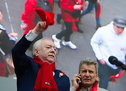 """01.05.2016, Rathausplatz, Wien, AUT, SPÖ, Traditioneller Maiaufmarsch am Tag der Arbeit unter dem Motto """"Unsere Stärke: Sozialer Zusammenhalt!"""". im Bild v.l.n.r. Landeshauptmann und Bürgermeister von Wien Michael Häupl (SPÖ) und ÖGB- Präsident Erich Foglar // f..t.r. Mayor of Vienna Michael Haeupl (SPOe) and President of the Austrian Trade Union Federation Erich Foglar during labour day celebration of the austrian social democratic party at Rathausplatz in Vienna, Austria on 2016/05/01. EXPA Pictures © 2016, PhotoCredit: EXPA/ Michael Gruber"""