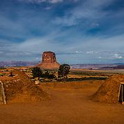 USA, West, Southwest, AZ, Arizona, UT, Utah, Navajo Reservation, Navajo Nation, Monument Valley, Native Americam hogans in  Monument Valley Tribal Park of the Navajo Nation, AZ and UT.