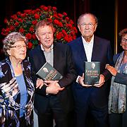 NLD/Amsteram/20121024- Presentatie biografie Joop van den Ende, Herman van Gelder en zijn moeder samen met Joop van den Ende, partner janine Klijburg