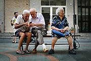 Pensionati  per strada a Maiori, provincia di Salerno, il 25 agosto 2020. Christian Mantuano ©