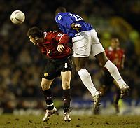 Fotball<br /> FA-cup 2005<br /> Everton v Manchester United<br /> 20. februar 2004<br /> Foto: Digitalsport<br /> NORWAY ONLY<br /> Everton's Joseph Yobo and Man Utd's Wayne Rooney