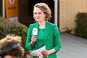Koning Willem Alexander opent Koningsspelen in Lemmer. Dit jaar staat het thema water drinken centraal.<br /> <br /> King Willem Alexander opens King's Games in Lemmer. This year the theme is drinking water.<br /> <br /> Op de foto / On the photo: <br /> <br />  Laura Hogendoorn