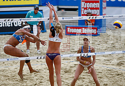 06-08-2011 VOLLEYBAL: FIVB WORLD TOUR GRANDSLAM: KLAGENFURT<br /> Kerri Walsh, Sanne Keizer NED, Misty May-Treanor USA<br /> ©2011-FotoHoogendoorn.nl / Erwin Scheriau