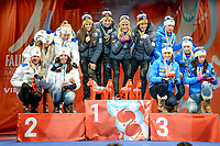 Langrenn<br /> FIS World Championships / VM 2015<br /> Falun - Sverige<br /> 26.02.2015<br /> Foto: Gepa/Digitalsport<br /> NORWAY ONLY<br /> <br /> FIS Nordic World Ski Championships, Relay 4x5 km, ladies, Medal Plaza, award ceremony. Image shows the team of Sweden (Sofia Beckur, Charlotte Kalla, Maria Rydqvist and Stina Nilsson), team of Norway (Heidi Weng, Therese Johaug, Astrid Uhrenholdt Jacobsen and Marit Bjørgen) and the team of Finland (Aino-Kaisa Saarinen, Kerttu Niskanen, Riitta-Liisa Roponen and Krista Parmakoski).