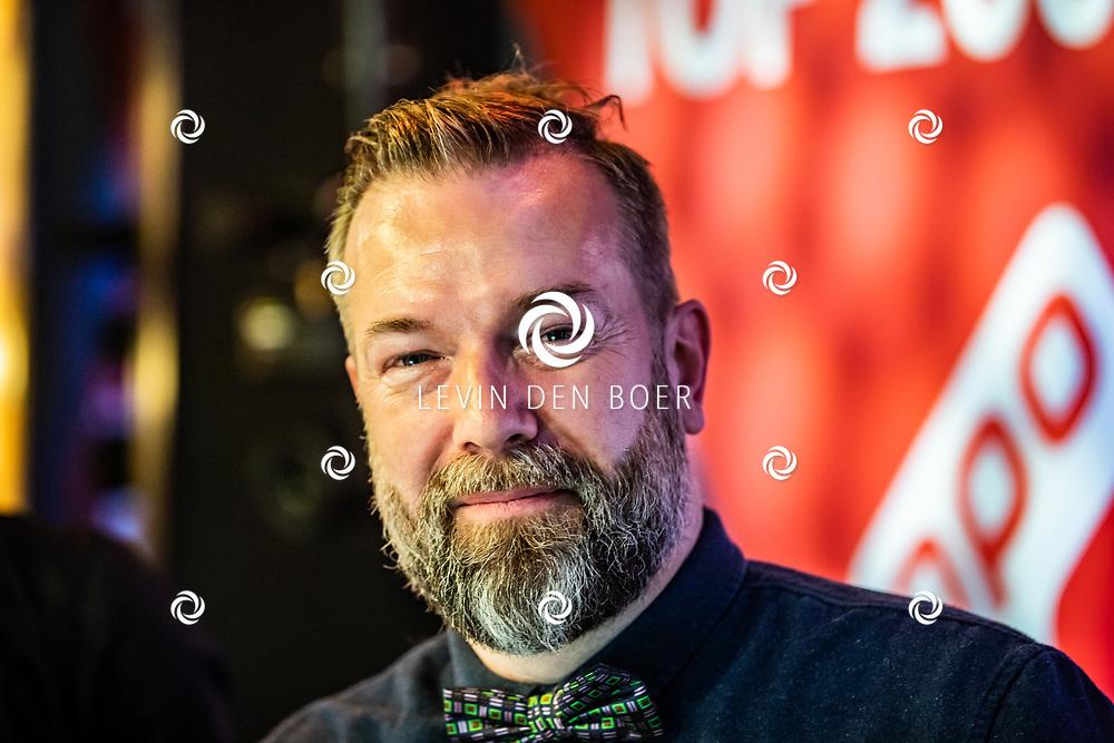 HILVERSUM - dj Jeroen Kijk in de Vegte in de Top 2000 radio studio. FOTO LEVIN DEN BOER - LDBFOTO.NL