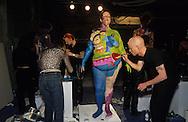 New York. Brooklyn Dumbo area. live painting by Tenazas Norman. Art festival under the bridge /  live painting by tenazas norman a Dumbo, quartier des docks occupes par les artistes   Brooklyn New York  Usa