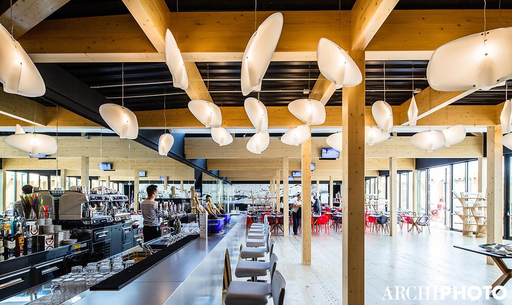 Café des Chefs - Luminaires Smoothy, design Octavio Amado • Pavillon de France, World Expo 2015, Milano