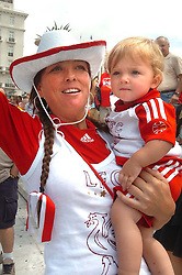Athens, Greece - Wednesday, May 23, 2007: Liverpool's Tracey Mealend with her daughter Brook Seilds aged 1, celebrating in Syntagma Square ahead of the UEFA Champions League Final against AC Milan. (Pic by Jason Roberts/Propaganda)