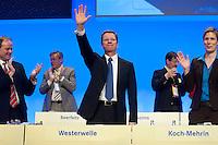 17 JAN 2009, BERLIN/GERMANY:<br /> Dirk Niebel (L), FDP Generalsekretaer, Guido Westerwelle (M), FDP Bundesvorsitzender, und Dr. Silvana Koch-Mehrin (R), MdEP, Vorsitzende der FDP im Europaparlament, nach der Rede von Westerwelle, Europaparteitag der FDP, Estrel Convention Center<br /> IMAGE: 20090117-01-068<br /> KEYWORDS: party congress, Jubel, Applaus, applaudieren, klatscht, klatschen