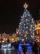 Kraków, 13-18.12.2019. Iluminacja bożonarodzeniowa na Starym Mieście w Krakowie.